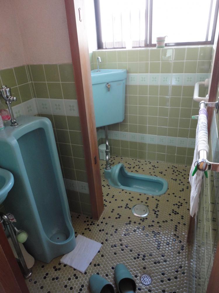 トイレリフォーム 和式 小便器トイレを洋式に   リフォーム ...